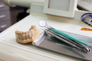 ¿La endodoncia y el tratamiento de conducto es lo mismo?